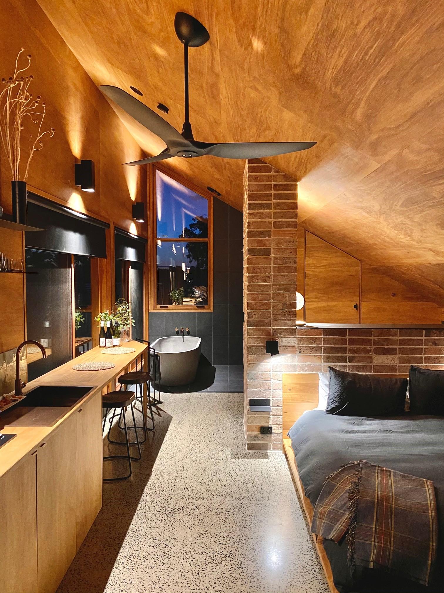 Luxury Accommodation In Mudgee - Gawthorne's Hut - Giddy guest