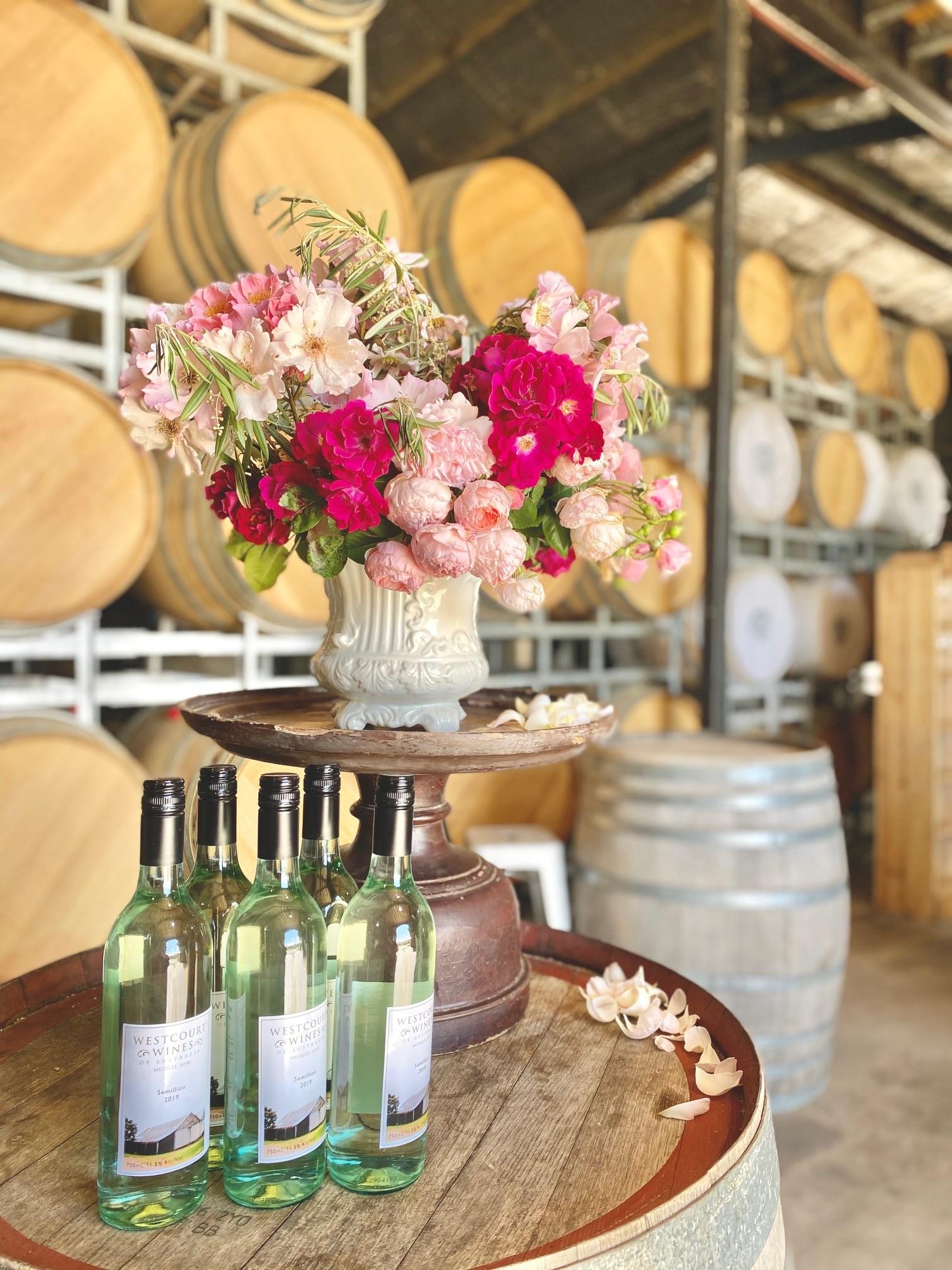 Visit The Best Wineries & Cellar Doors in Mudgee - Lowe - Giddy Guest